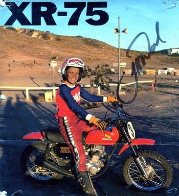 XR75-autograph-733329