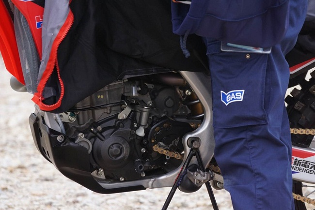 Honda _2017_CRF450R_Firts Test we Ride_Ohlins Suspension_TTx